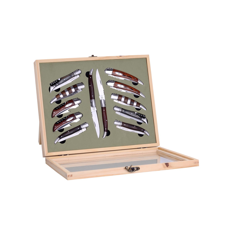 Couteaux pliants avec présentoir en bois