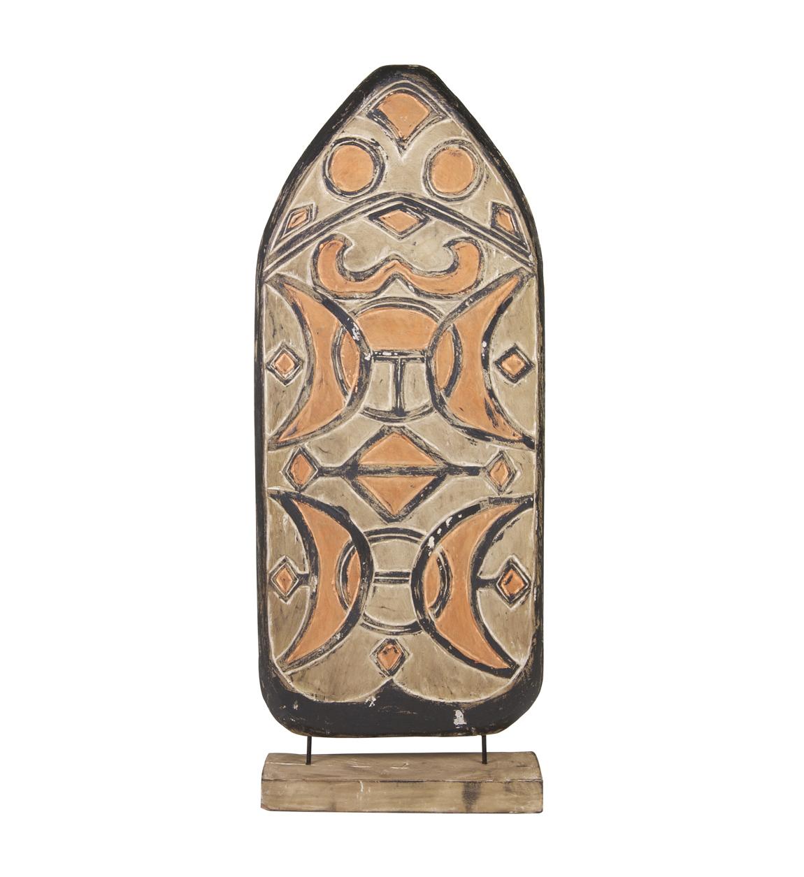 Figure de bouclier en bois marron
