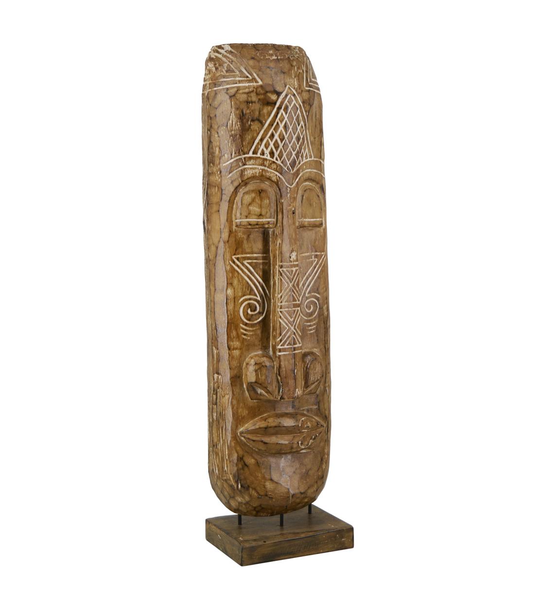 Figure sculptée en bois marron