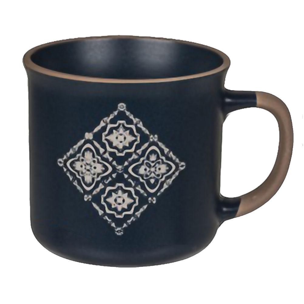 Tasse en céramique bleue motif carreaux