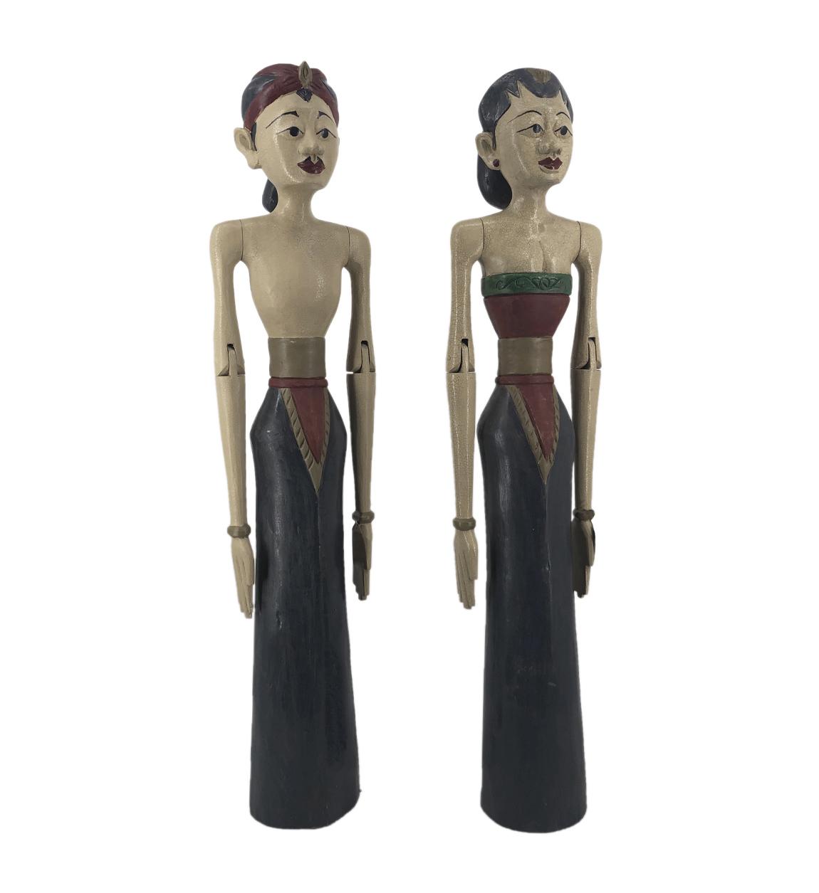 Couple décoratif en bois bleu