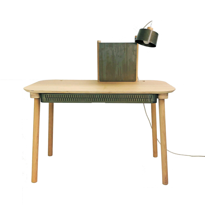 Bureau avec tiroir, séparateur et lampe en chêne et métal vernis BRUT