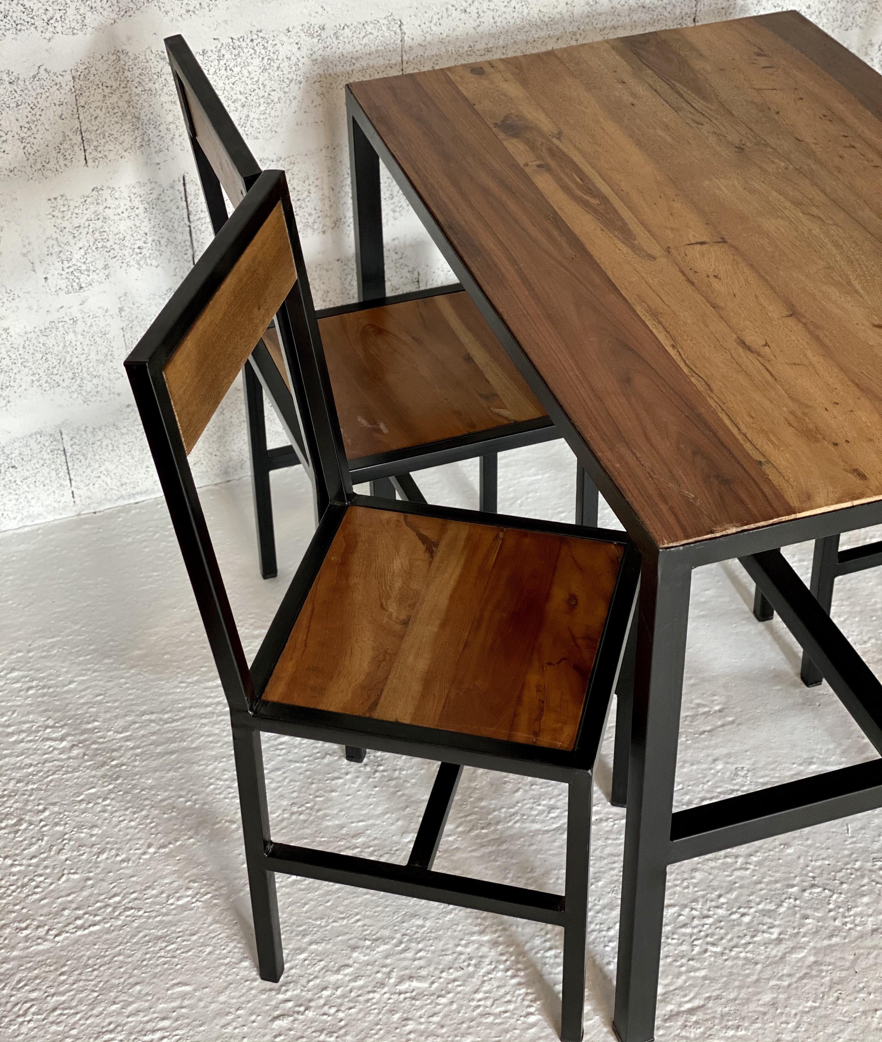 Chaise de repas bois et acier