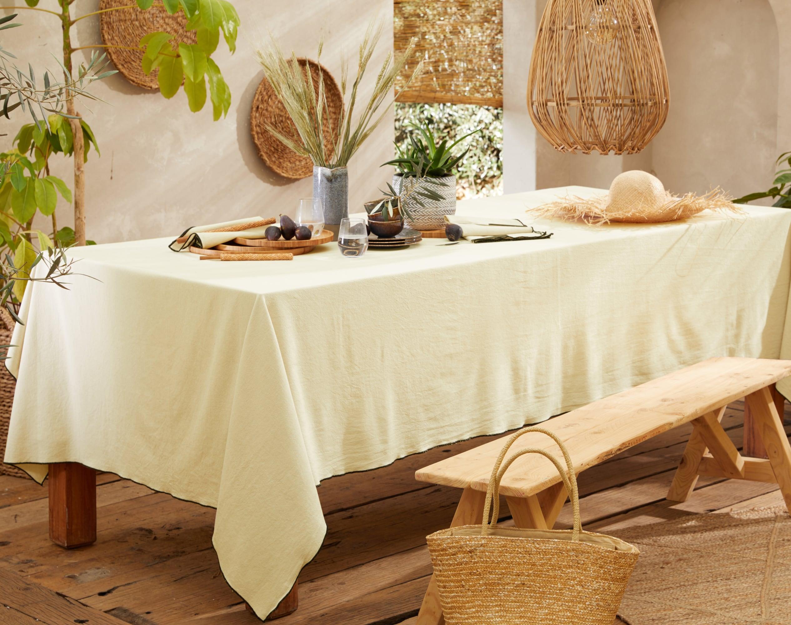 Nappe carrée beige en coton lavé 160x160