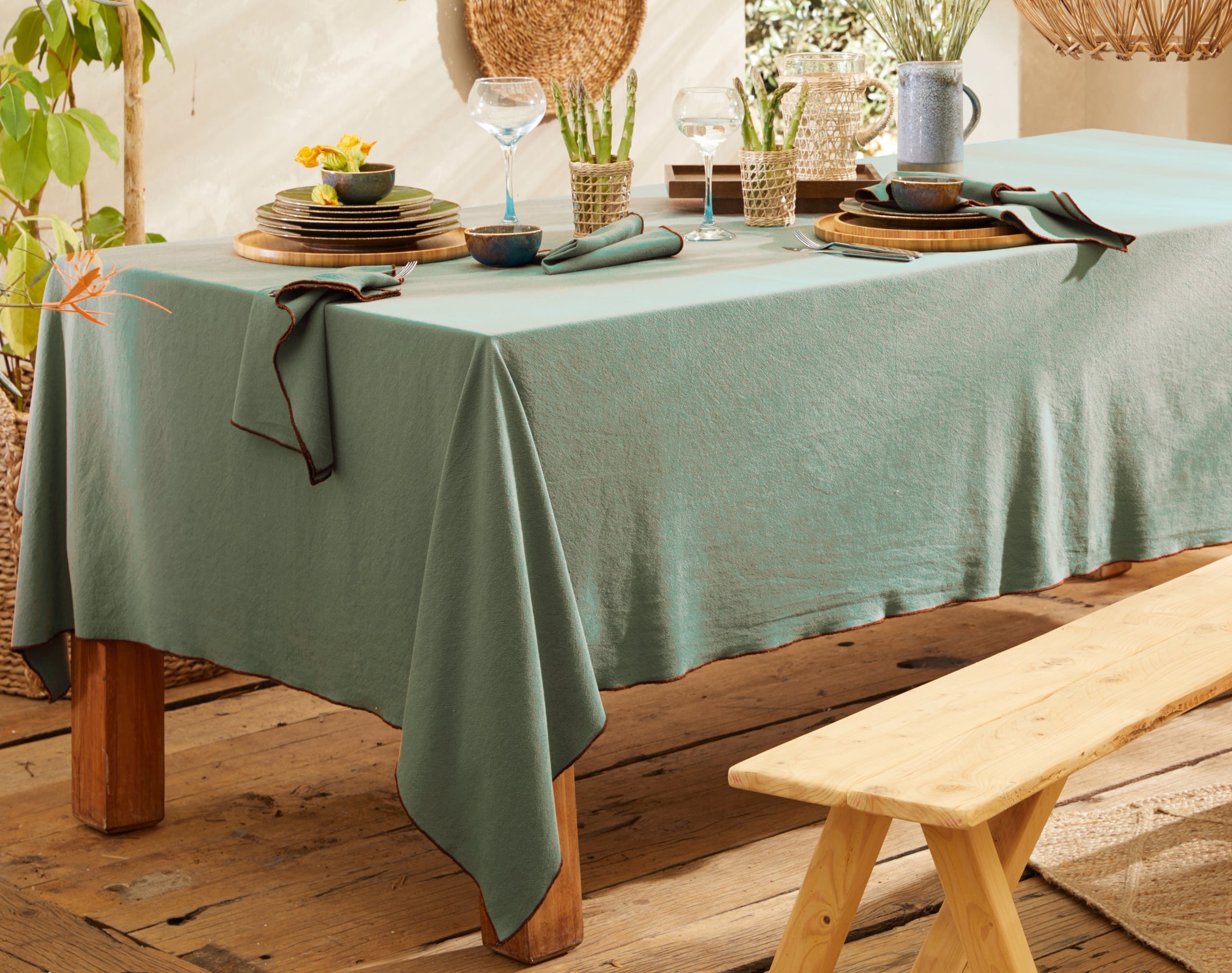 Nappe rectangulaire verte en coton lavé 160x250