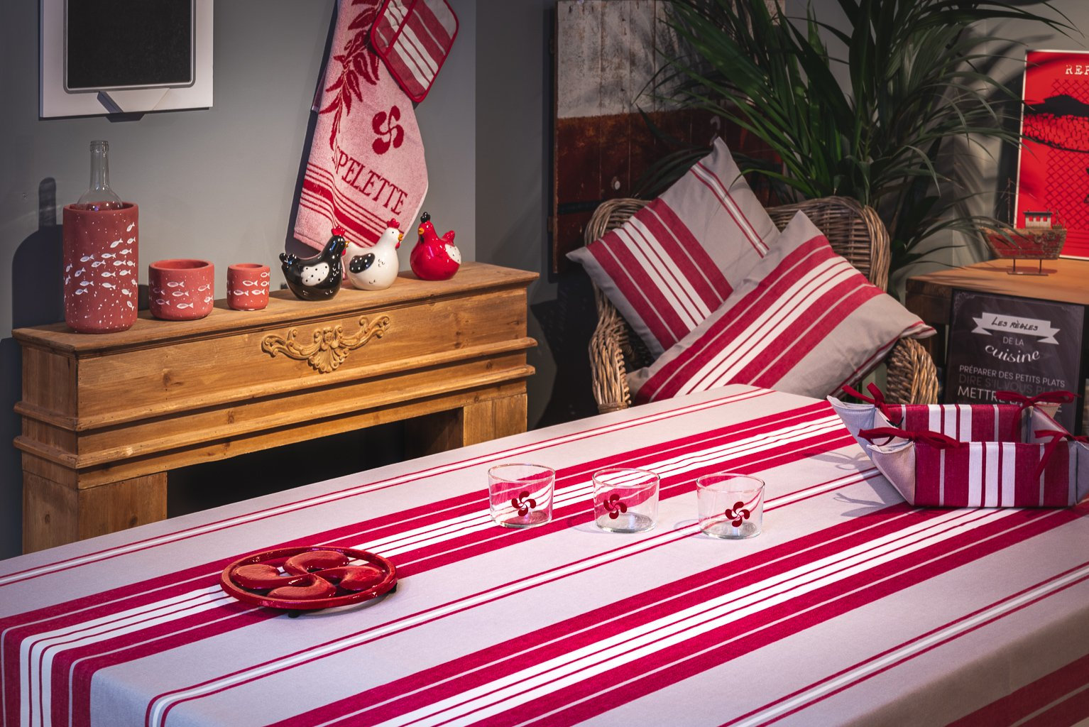 Nappe enduite 100% Coton rouge 200 x 160 cm