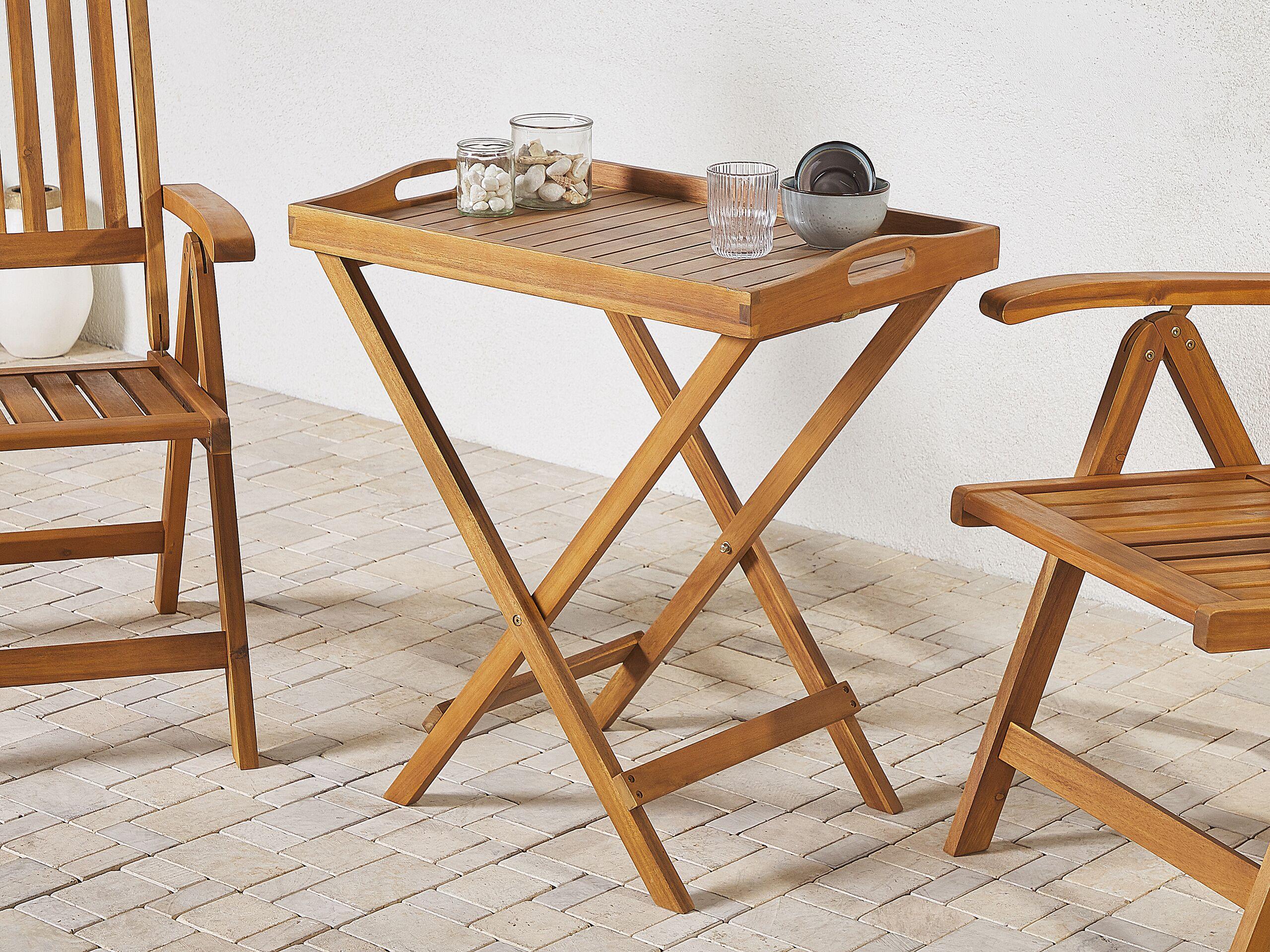 Table de terrasse ou jardin en bois clair