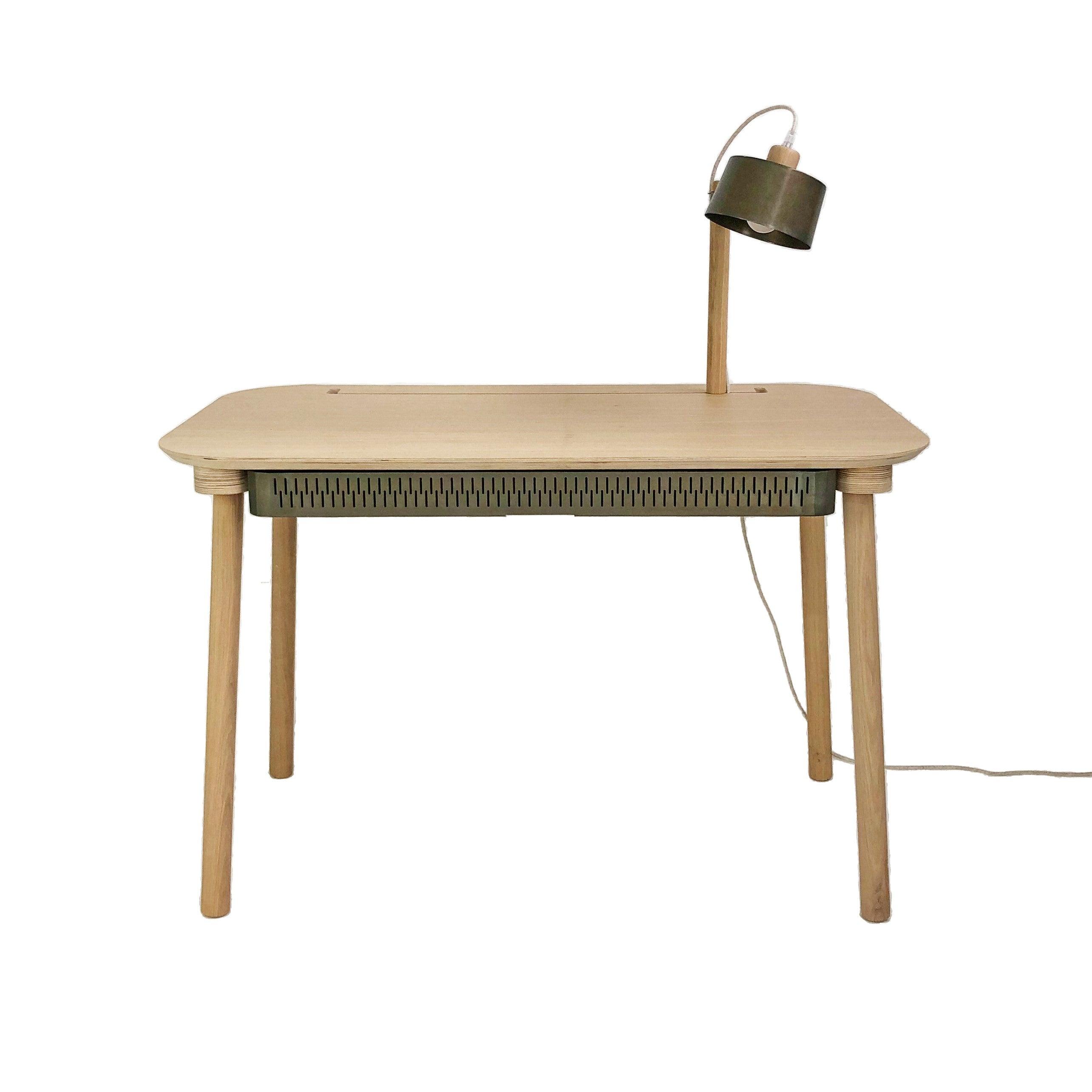 Bureau en chêne avec lampe et tiroir en métal vernis BRUT