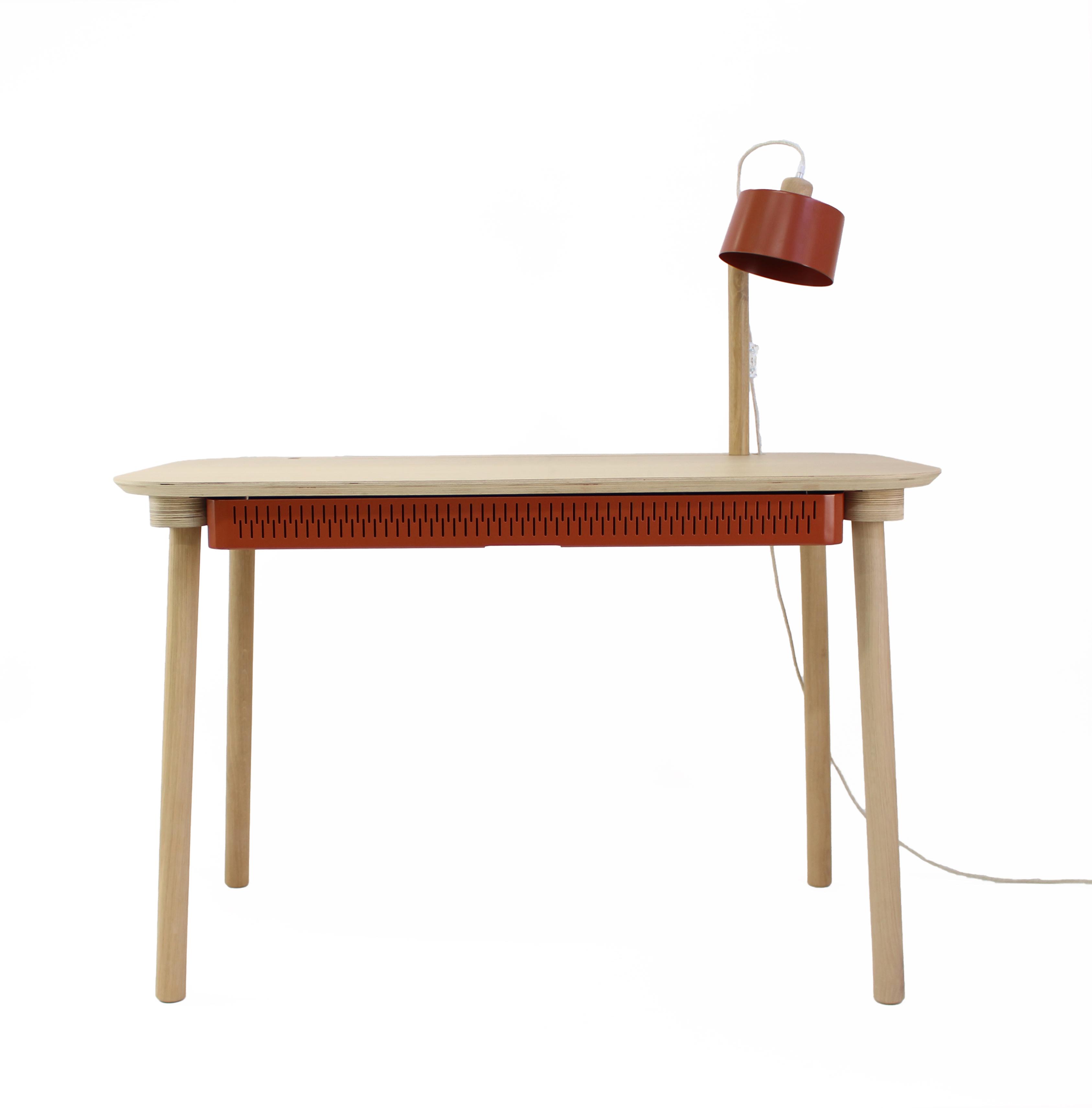 Bureau en chêne avec lampe et tiroir en métal terracotta
