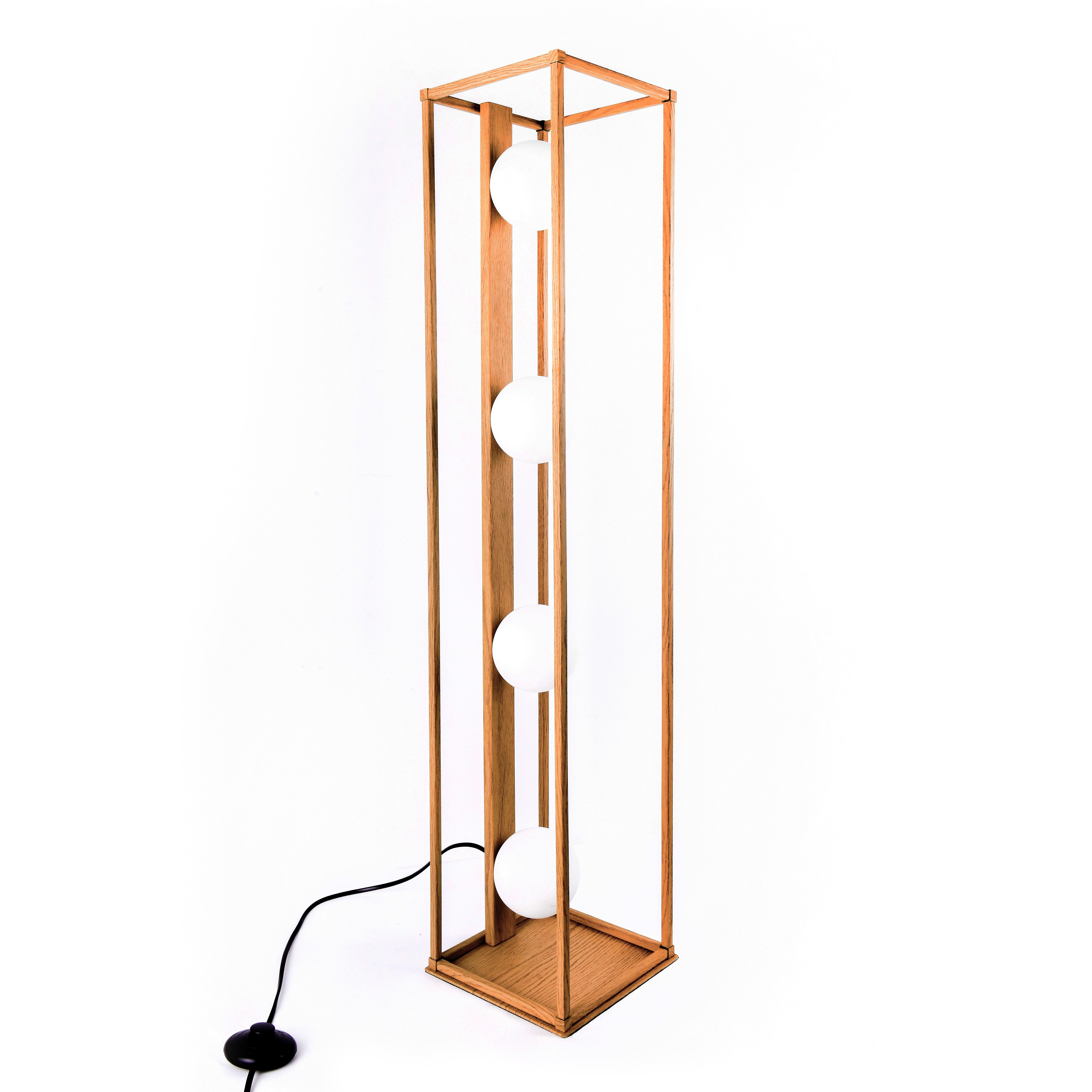 Lampadaire en métal bois