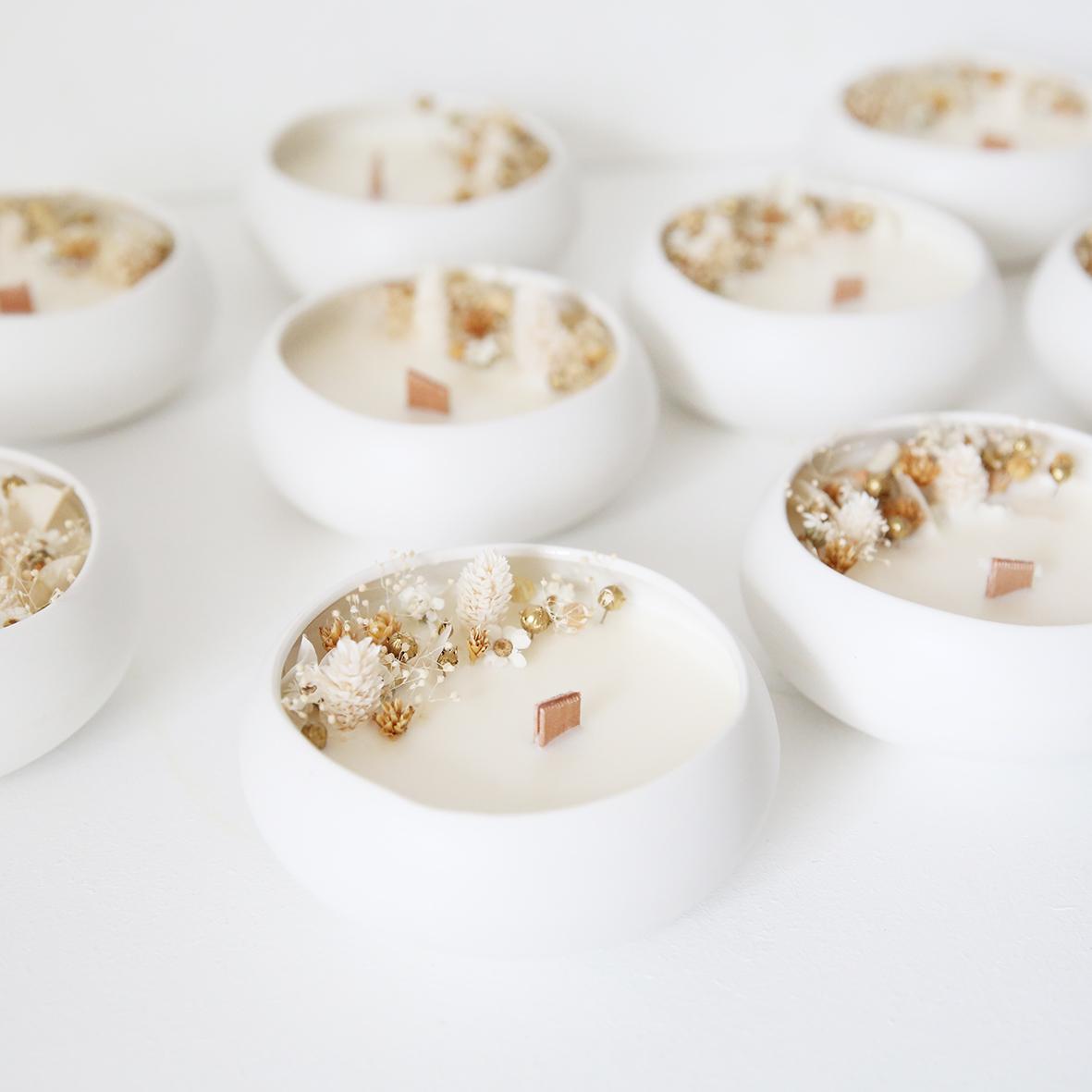 Bougie fleurie cire de soja et fleurs séchées galet douceur