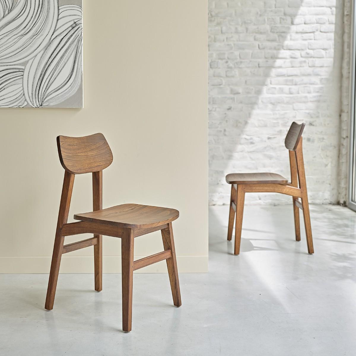 2 chaises vintage finition noyer