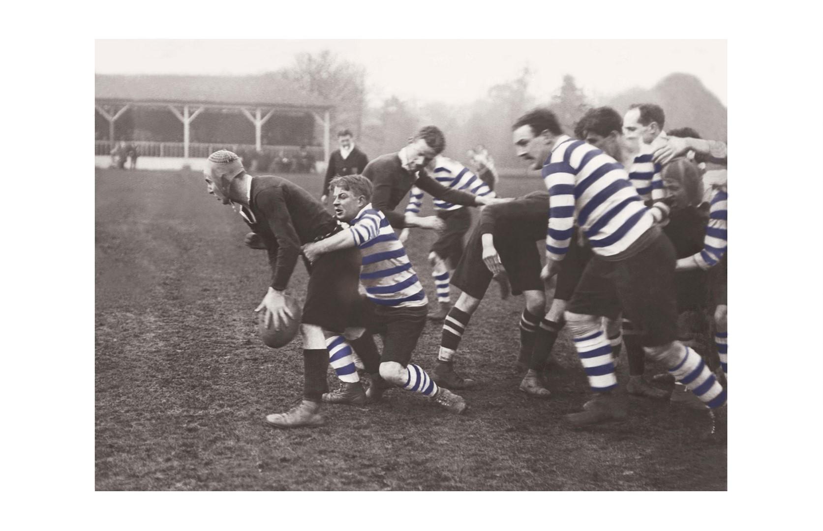 Photo ancienne couleur rugby n°07 cadre noir 30x45cm