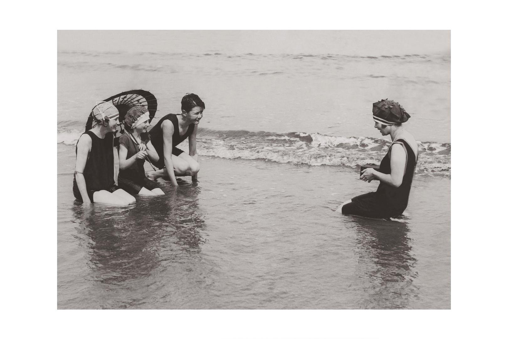 Photo ancienne noir et blanc mer n°54 cadre noir 30x45cm