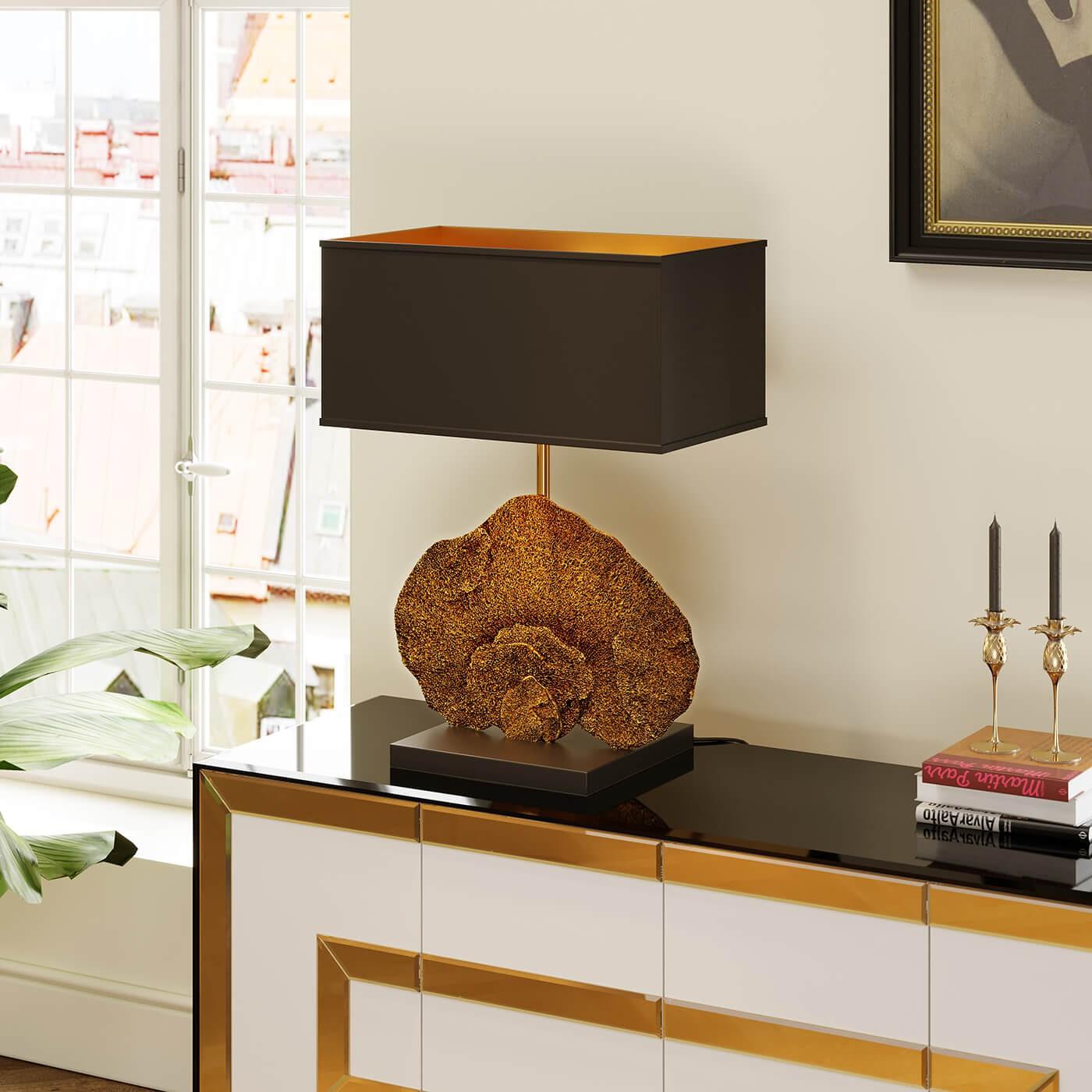 Lampe corail en polyrésine dorée et abat-jour noir