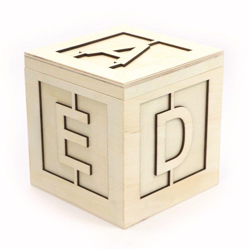 Boîte carré en bois alphabet 13x13x13cm