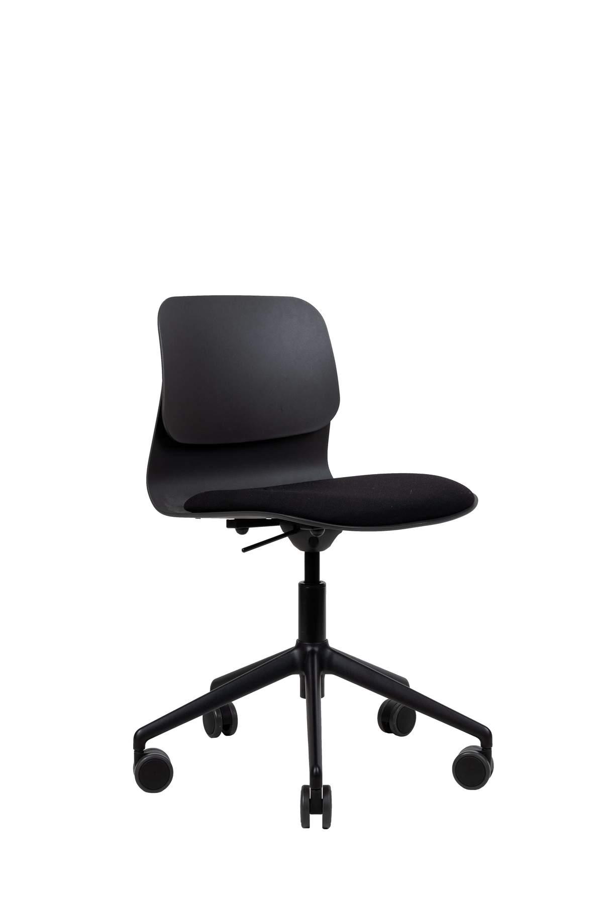 Chaise de bureau design noire pivotante sur roulettes