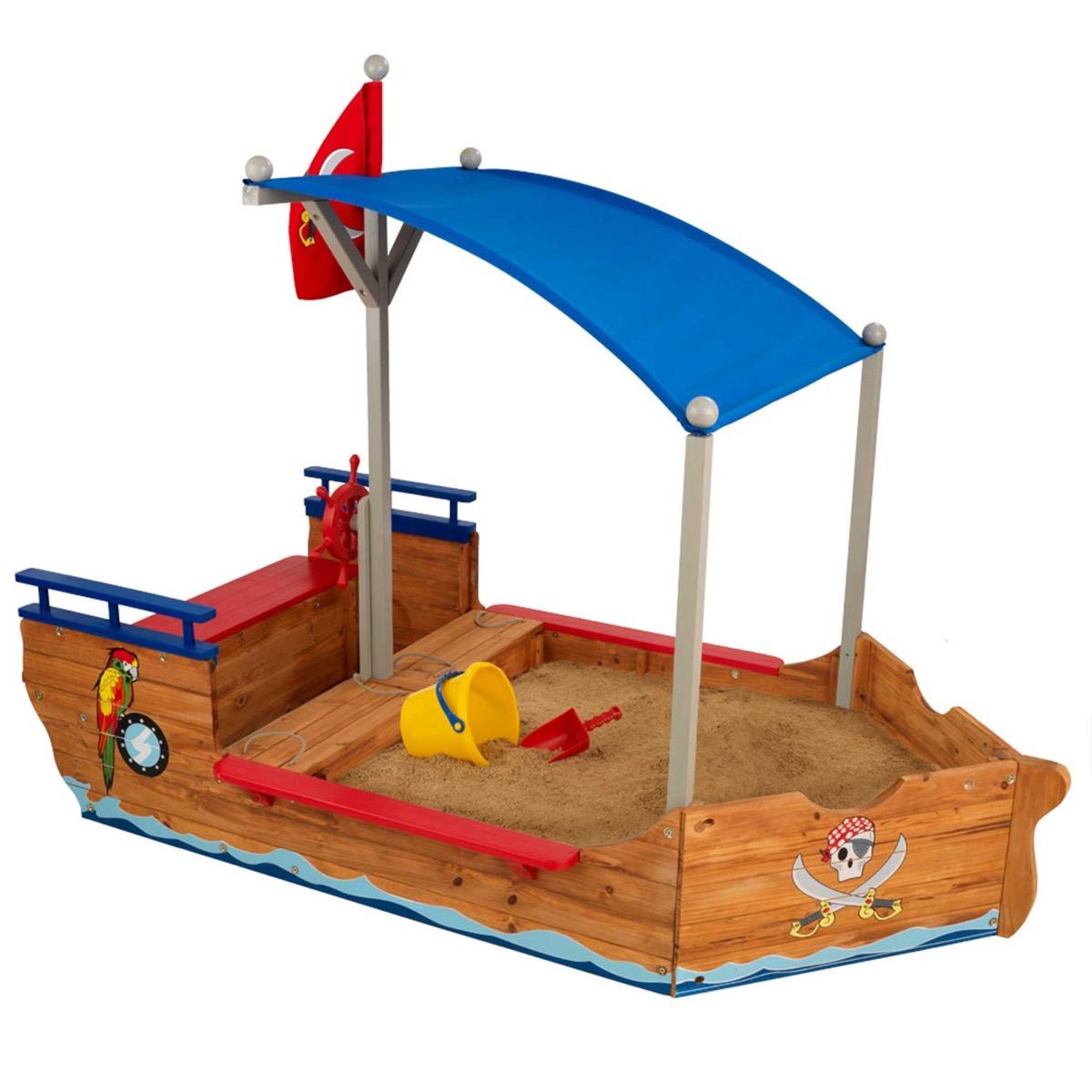 Bac à sable bateau de pirates en bois