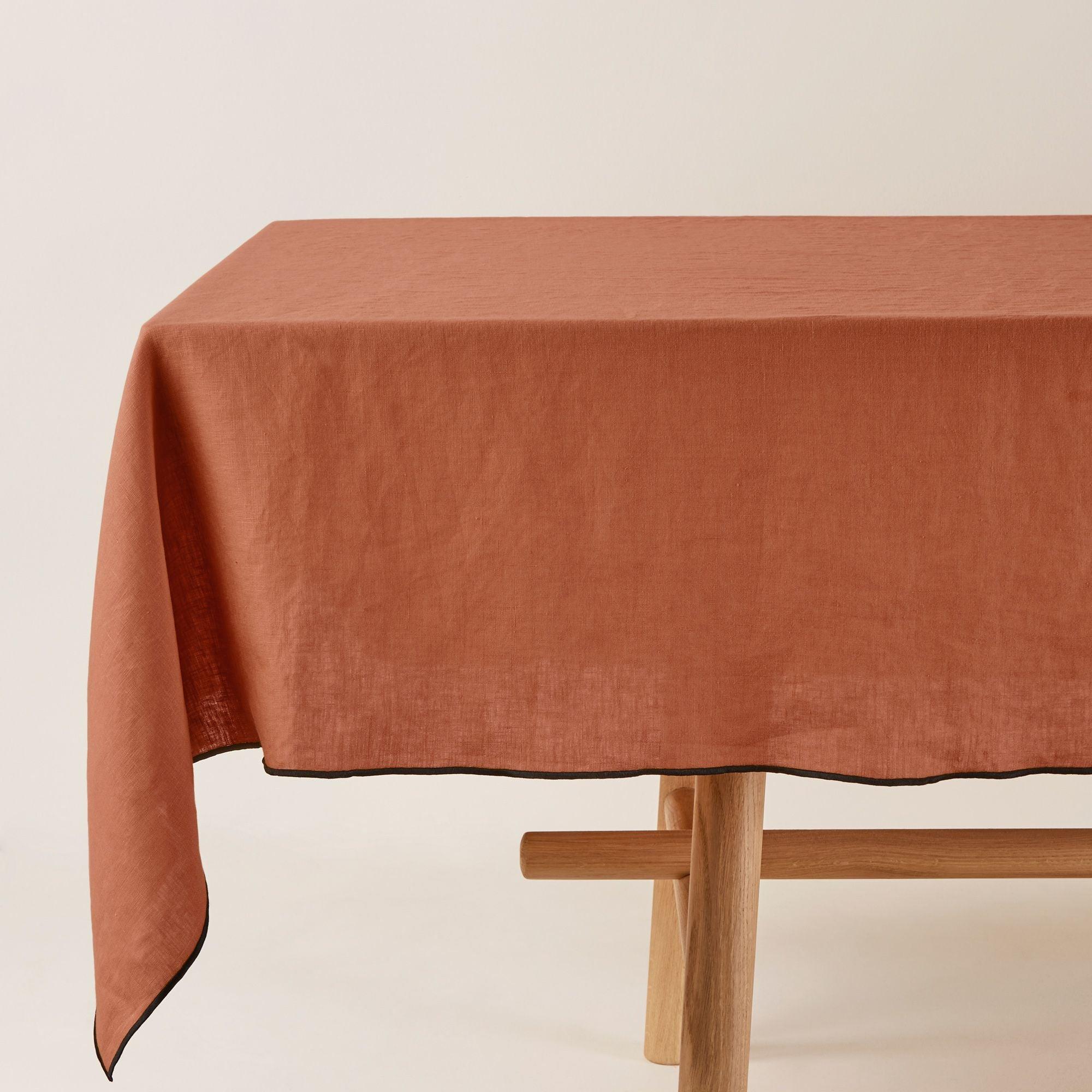Nappe rectangulaire 170x320 cm Terracotta et bourdon noir en Lin