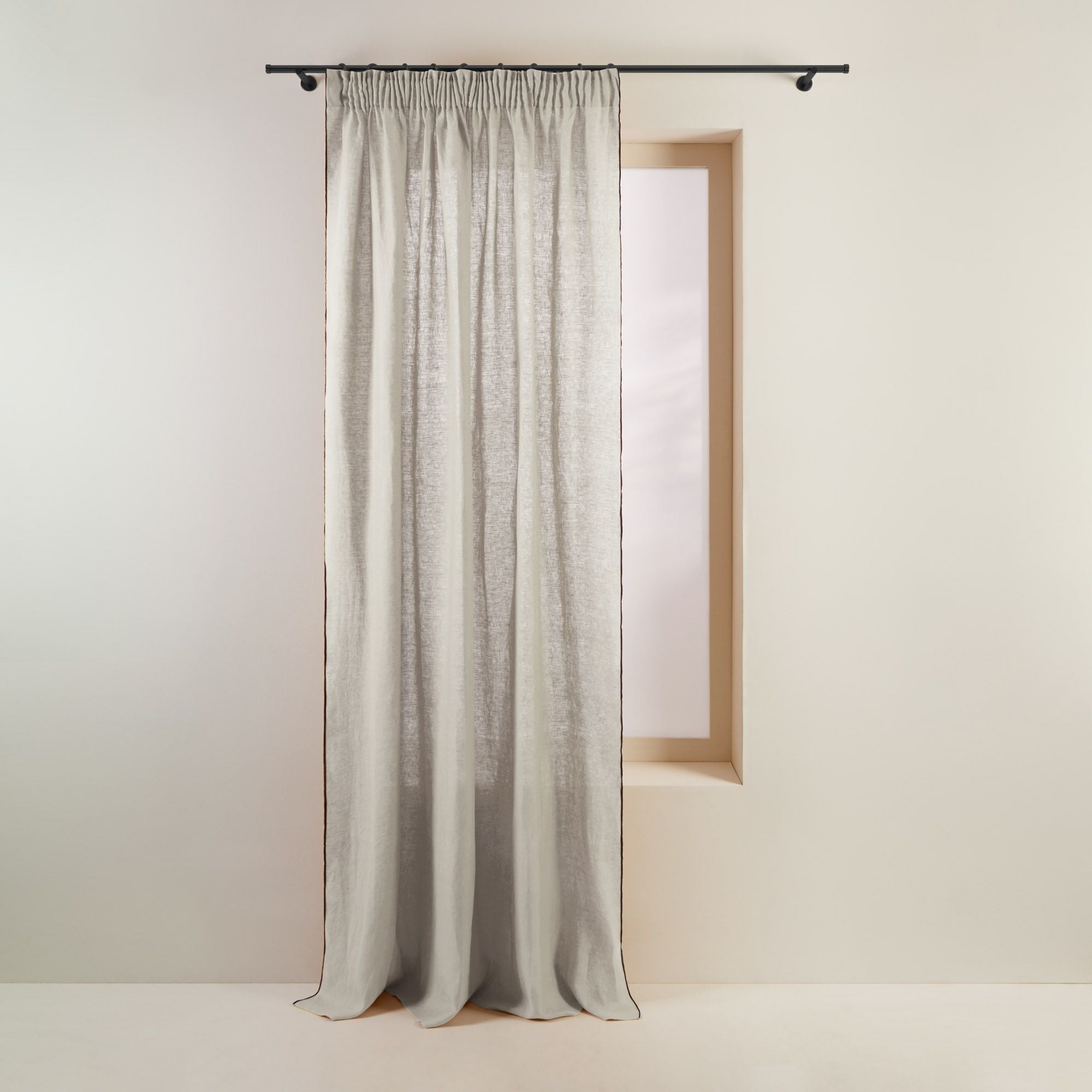 Rideau à ruban fronceur 350x280 cm Beige clair et bourdon noir en Lin