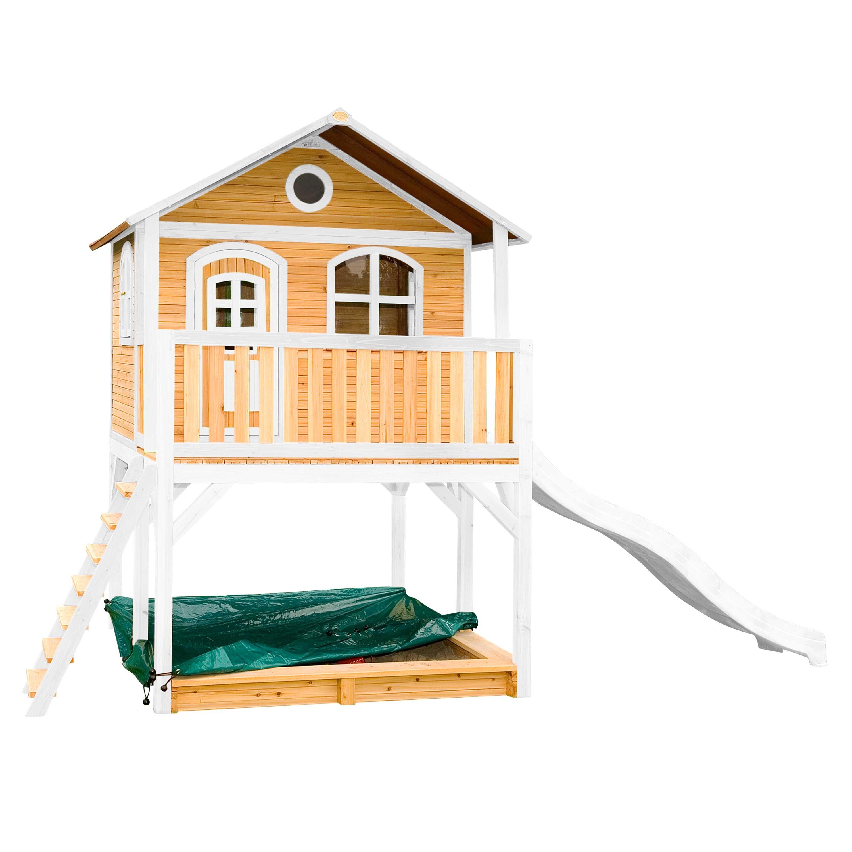 Maisonnette en bois brun et blanc sur pilotis avec toboggan blanc