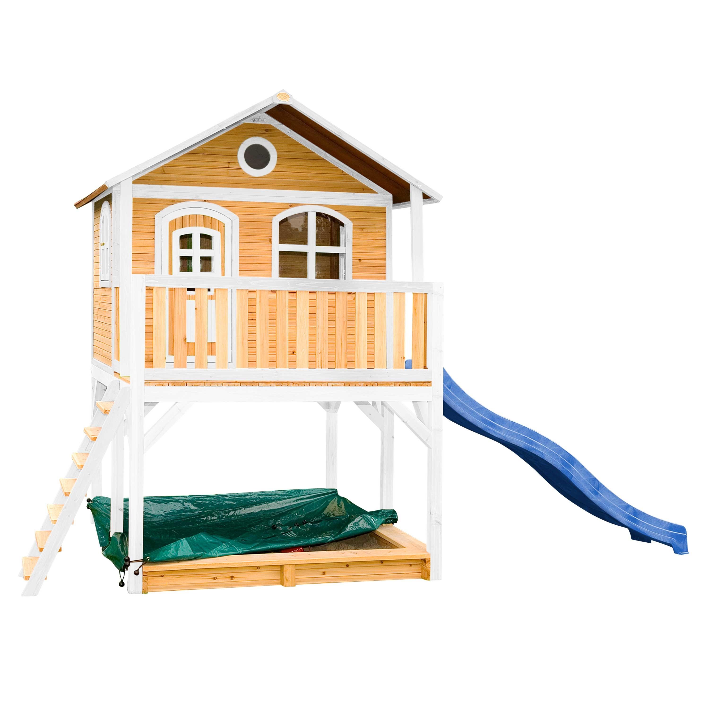 Maisonnette en bois brun et blanc sur pilotis avec toboggan bleu